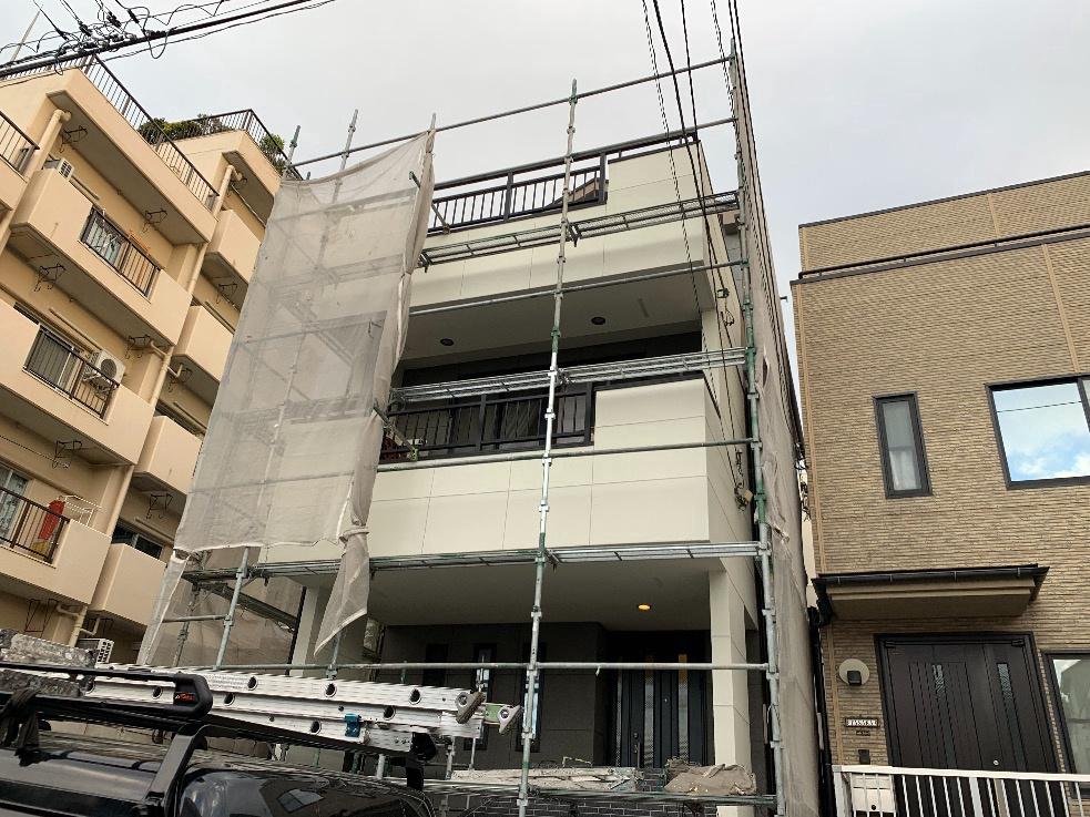 東京都渋谷区のH様邸3階建て雨漏り改修及び一部塗装工事